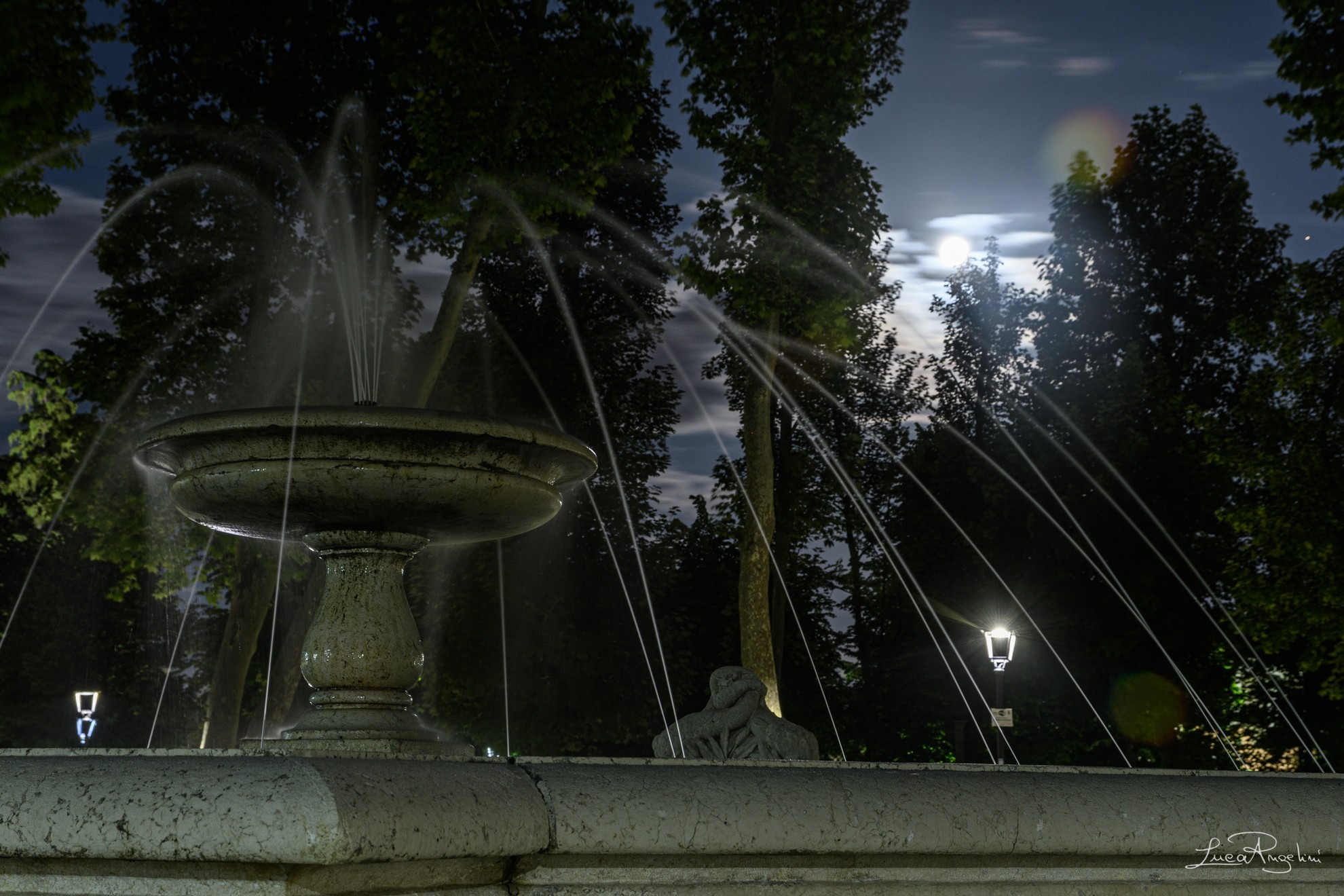 """- LA NEVICATA DEL '56 - MIA MARTINI """"...La fontana cantava e quell'aria era chiara dimmi che era così..."""""""