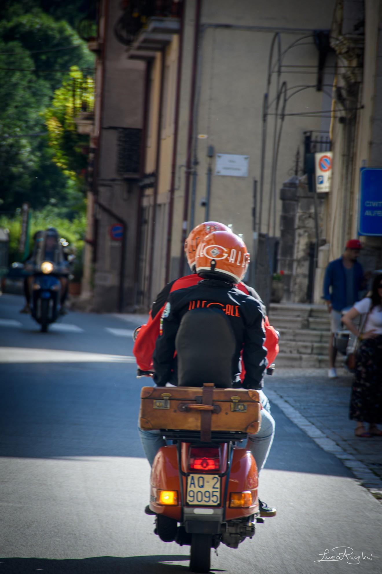 """- OVUNQUE TU SIA - ULTIMO """"...Perché un viaggio cambia senso da come riempi i tuoi bagagli..."""""""